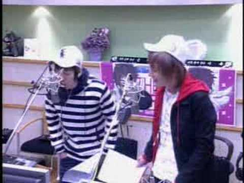 Kiss The Radio: Eeteuk and Eunhyuk moaning