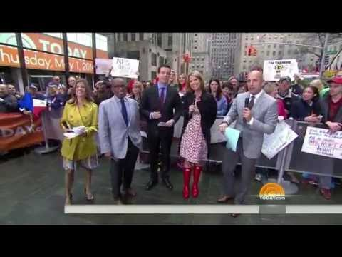 Savannah Guthrie in rubber boots - 1-May-2014