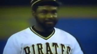 Bill Madlock Can't Get Ball Out Of Glove!