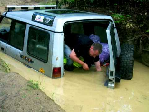 Land Rover Discovery Tong Deep Water Run Failed Off Road