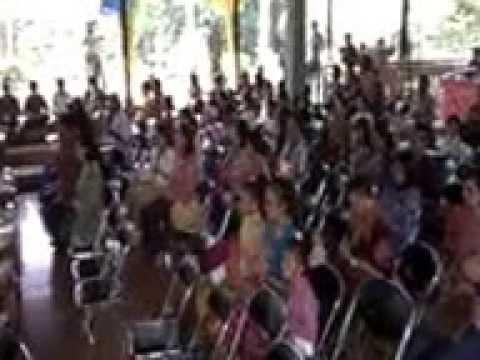 Agama Hindu melaksanakan TRI SANDHYA