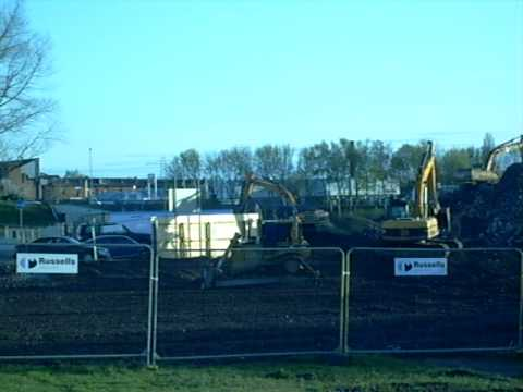 26 04 10 Men At Work On John Heskeths Old Site 03 video