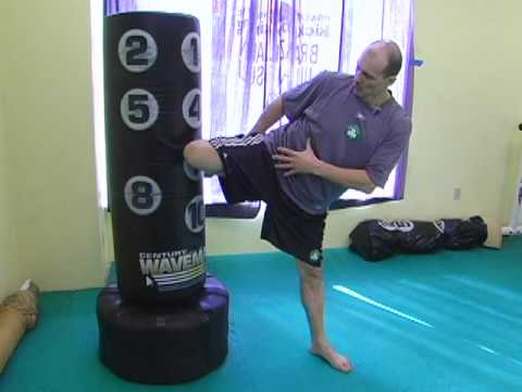Kickboxing Training - Roundhouses