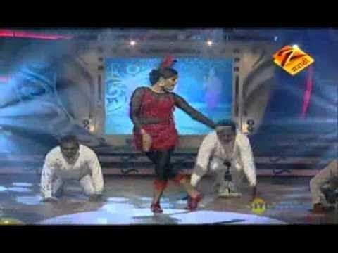 Eka Peksha Ek Apsara Aali April 20 11 Bhargavi Chirmule