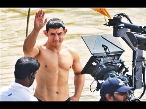 PK | Aamir Khan 8 Pack Abs Body Revealed - YouTube