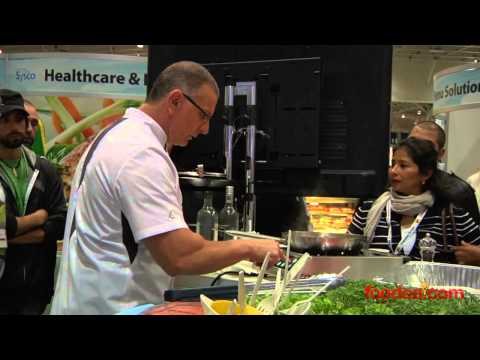 Chef Robert Irvine from Restaurant: Impossible at the 2013 CRFA Show - Foodea.com