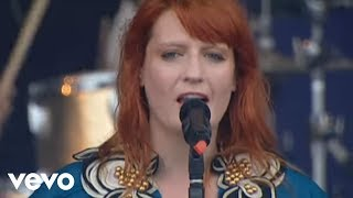 Клип Florence & The Machine - Between 2 Lungs (live)