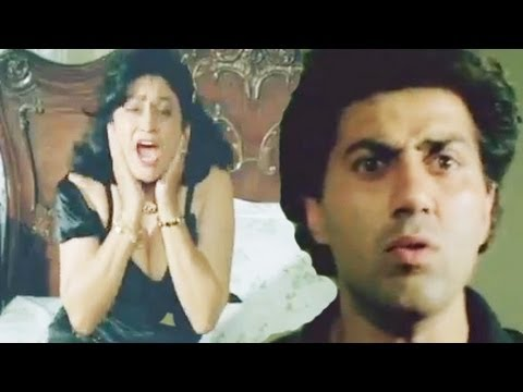 Aruna Irani Shows Her Hot Cleavage, Veerta - Scene 17 21 video