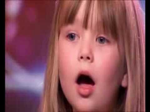 Una niña de 6 años Con una impresionante voz