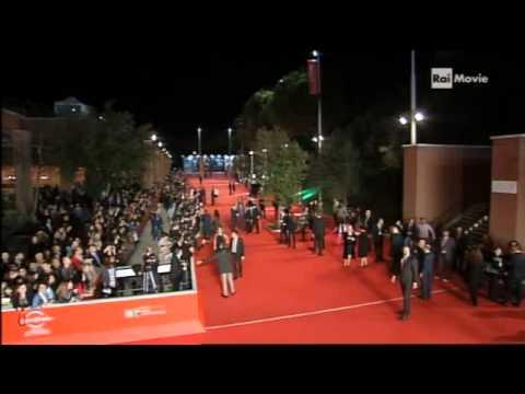 Elisa sul red carpet del Festival Internazionale del Cinema di Roma (08.11.13)