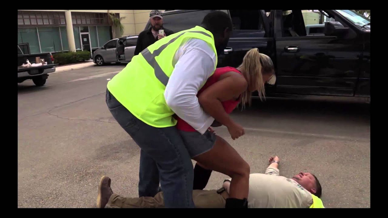 Construction workers get their asses kicked by hot MMA chick