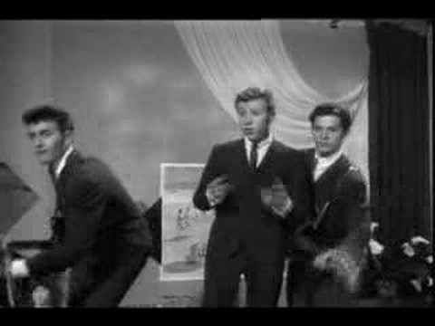 Thumbnail of video Los Hooligans-Agujetas De Color De Rosa(Pink Shoe Laces)1962