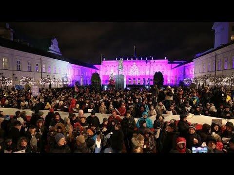 Kolęda Dla Prezydenta Andrzeja Dudy Przed Pałacem Prezydenckim W Warszawie