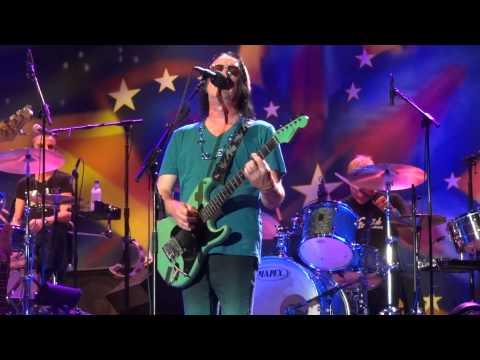 Ringo Starr's All-Star Band-Todd Rundgren-I Saw the Light 7-4-2012