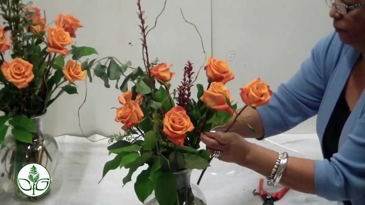 how to arrange a dozen rose vasesimple youtube