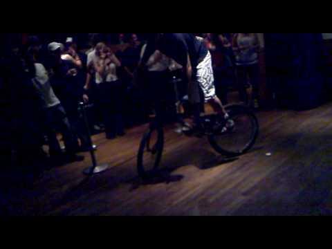 Pussy bike show