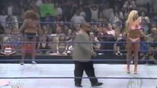 Smackdown 09 2002 Torrie Wilson vs Nidia Bikini Contest