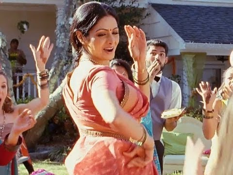 Navrai Maajhi Promo - English Vinglish (Exclusive)