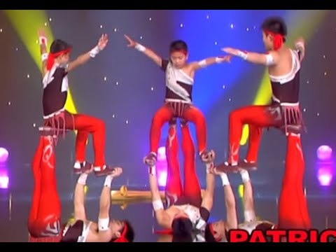 Stars of Beijing's Circus - Acrobatic act - The world greatest Cabaret