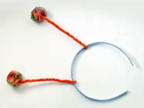 Manualidades faciles:  Como hacer un cintillo con antenitas