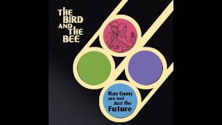 Watch Bird  The Bee Meteor video