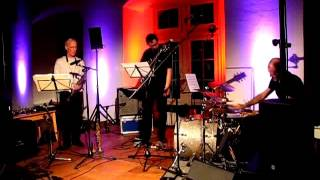 Samo Salamon Bassless Trio feat. Paul McCandless & Roberto Dani: Soundgarden