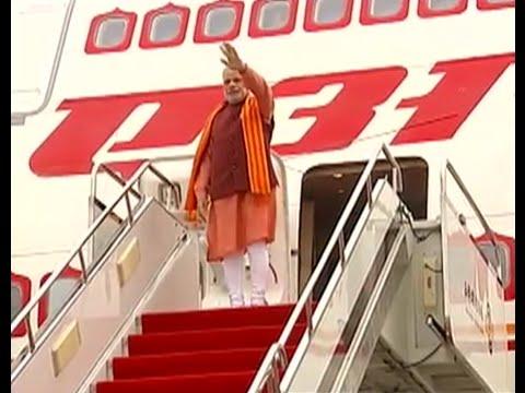 Adoring crowd greets PM Narendra Modi in Chinas Xi an