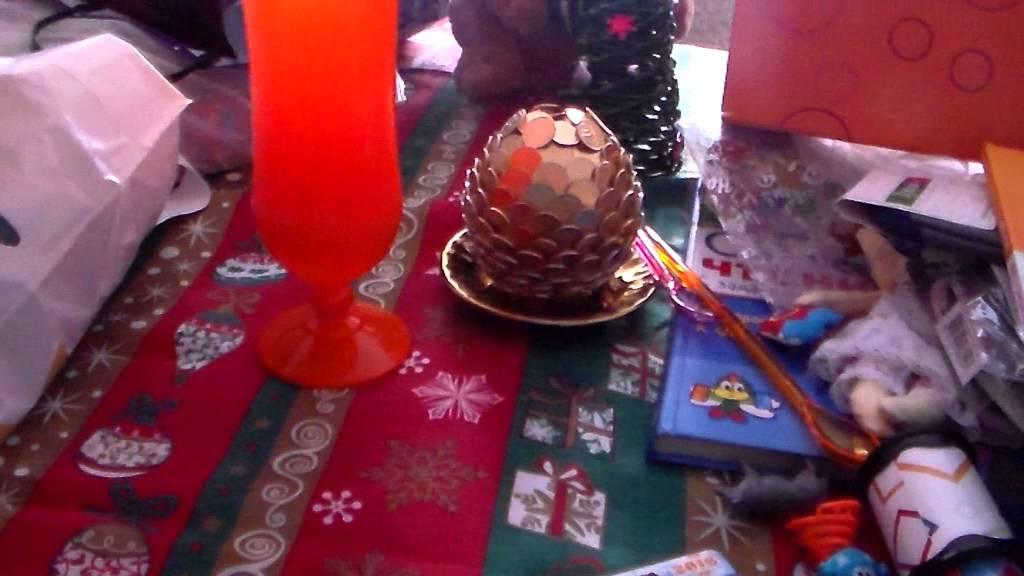 Диана и рома открывают новогодние подарки 62