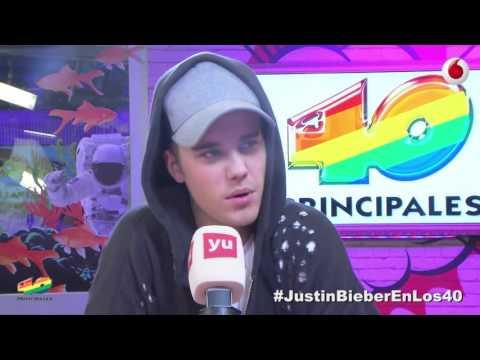 Justin Bieber walks off during awkward interview full