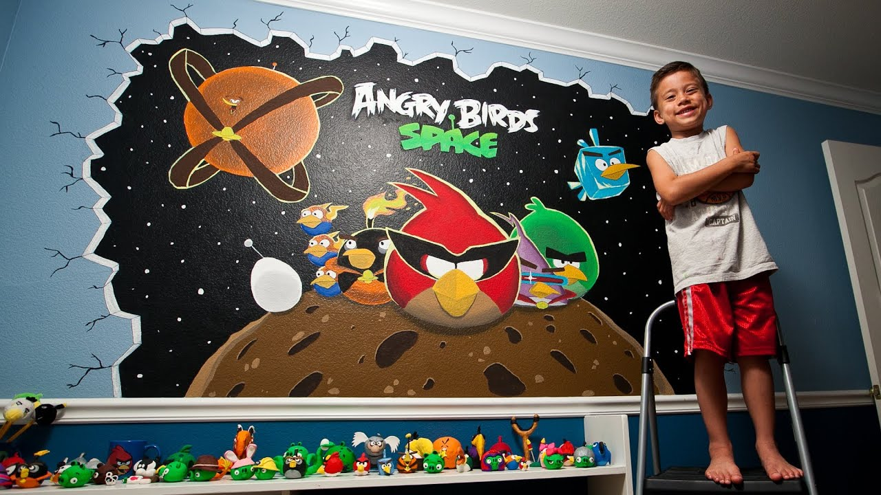 Angry birds space wall mural painting 2 day time lapse for Angry bird wall mural