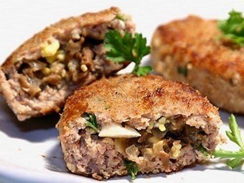 Зразы мясные с грибами видео-рецепт. Котлеты с начинкой из грибов. Как готовить зразы из фарша.
