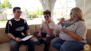download lagu Tanya Rad FaceTimes From Charlie Puth Tour Bus  gratis
