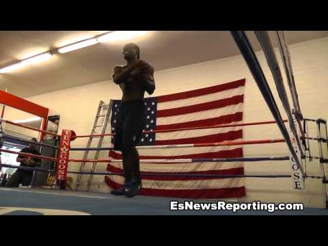 Boxer has sick jump rope skills Image 1