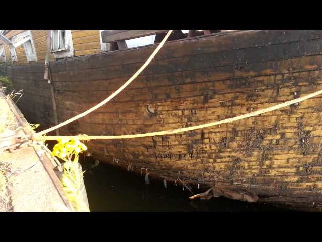 Old abandoned House boat Susanna part 1