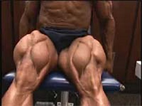Bodybuilder Bobby Church trains, poses quads