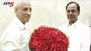 CM KCR Meets Governor Narasimhan Over the Establishment of TRS Government in Telangana