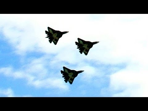 MAKS 2013: Waghalsige Flugmanöver mit T-50-Kampfjets