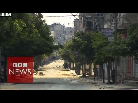 Trying to survive on deserted streets of Gaza - BBC News