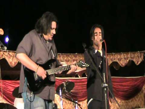 Ik Raat Hui By Aaina The Band Live At Cepex(comsats-islamabad) video