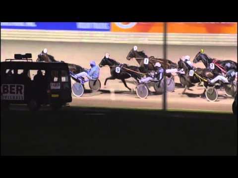 Vidéo de la course PMU PRIX MAAIKE WOUDA (BOKO CHAMPIONS CHALLENGE)