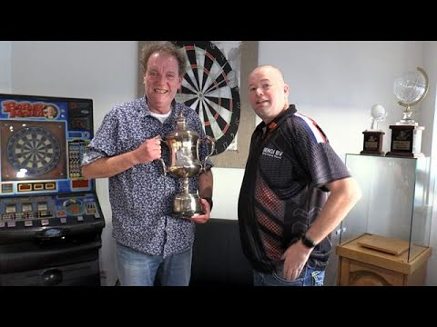GOUD: Barney's Home of History! - RTL 7 DARTS INSIDE