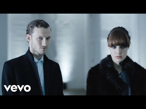 Chase &amp; Status, Sub Focus - Flashing Lights ft. Takura