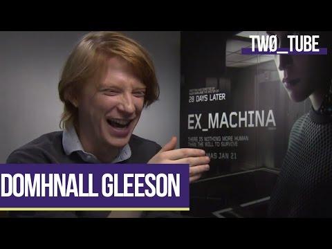 Domhnall Gleeson Chats Star Wars | Two Tube