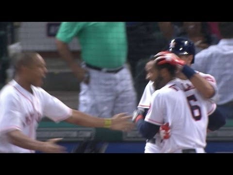 Villar scores game-winning run on error