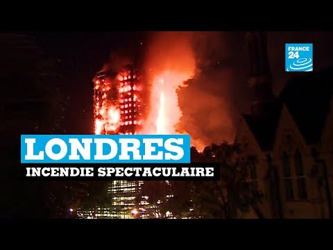 Londres:  incendie spectaculaire