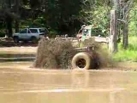 Huge Willys Jeep in mud... Video