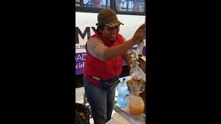 Mexican Citrus Juicing at the Market
