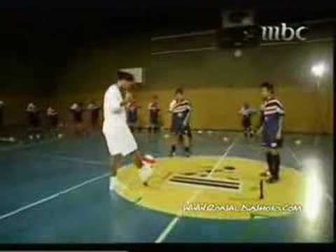 Ronaldinho Freestyle Skills video