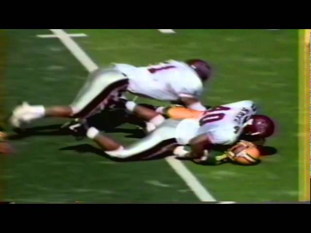 Oregon QB Brett Salisbury gets clobbered vs. New Mexico State 10-05-91