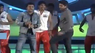 allu-arjun-dance-performance-with-dspmemu-saitam-event-live-memu-saitham-for-vizag